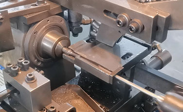 Electroplating: Electroplating mainly plays a role in protecting the metal materials inside the metal products, greatly reducing the possibility of oxidation of the sleeve.